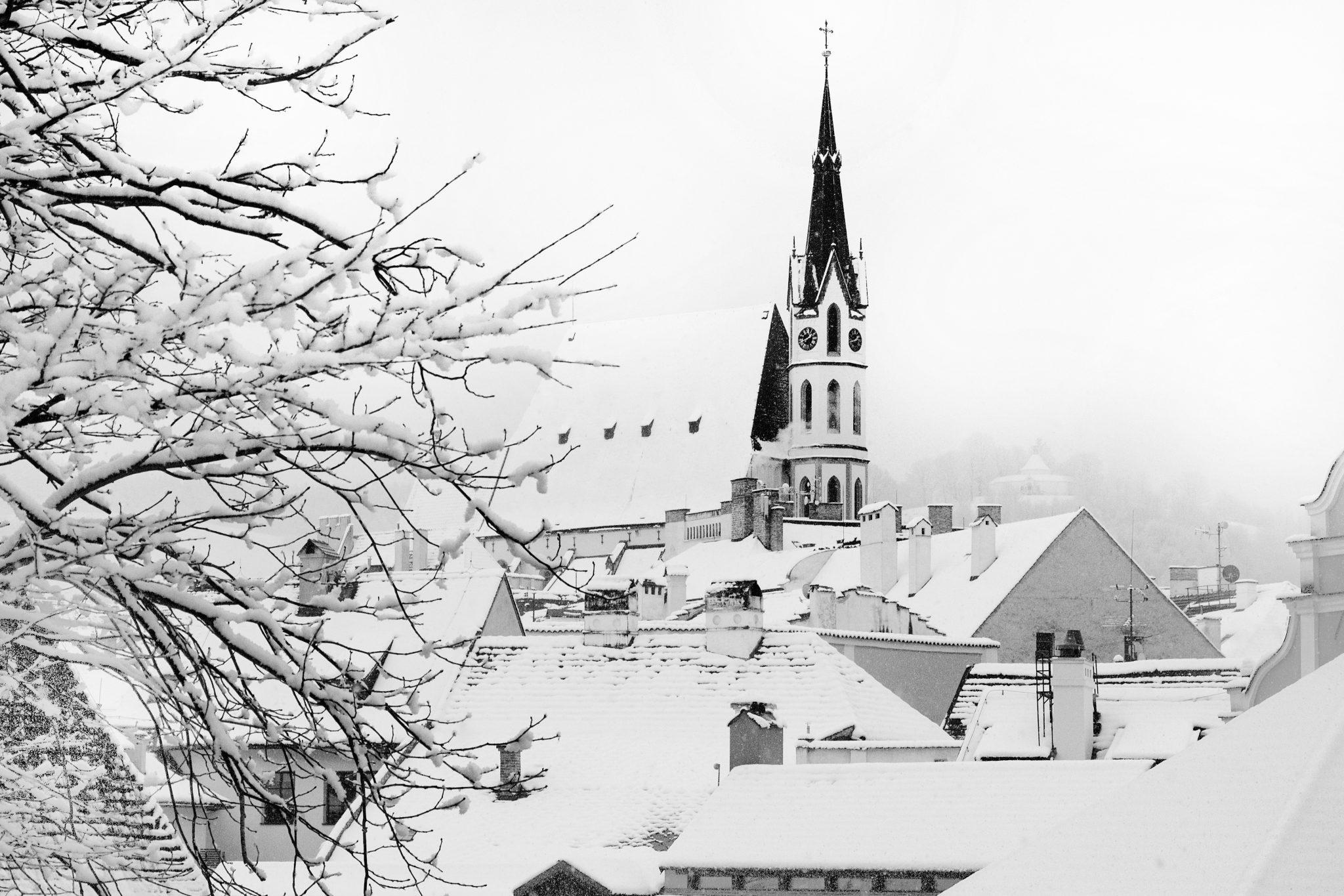 kostel Svatého Víta Český Krumlov v zimě